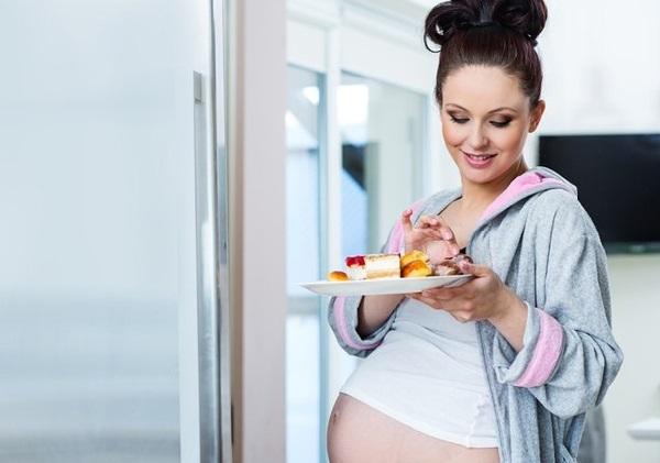 беременная обжора
