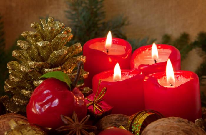 рождественские свечи и поздравления